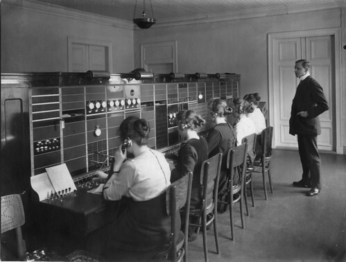 Telefoncentralen i Piteå   by Tekniska museet