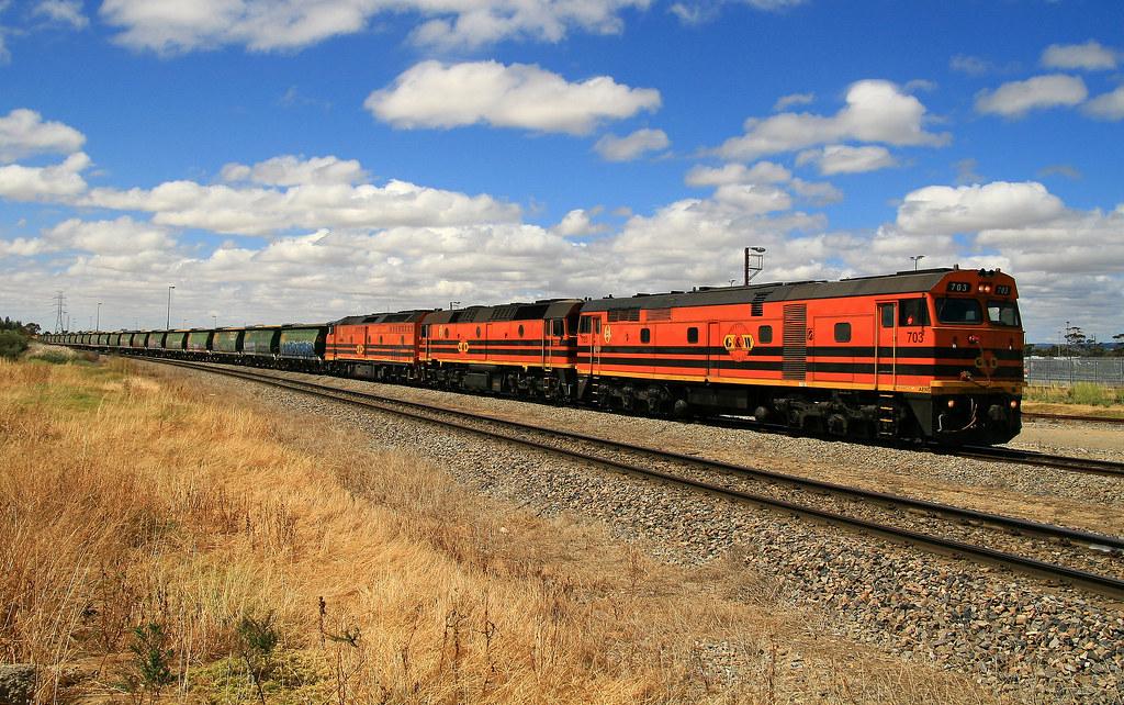 Empty Pinnaroo Grain 1351s 703, 2212 & CLP14 Dry Creek 16/11/14 by Trackside Photography Australia