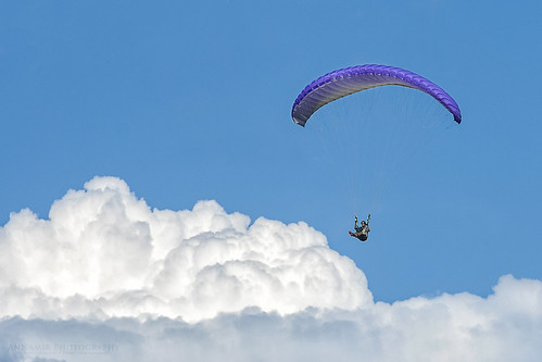 clouds fly malaysia paragliding extremesports glider takeoff nwn paramotor kualakubu thumbling huluselangor bigyear annamir tamanmillenium paraglidingsite paraglidingkualakubu