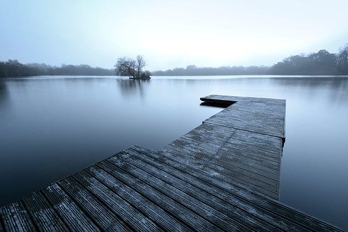 The Jetty at Petersfield Lake Hampshire | by Simon Verrall