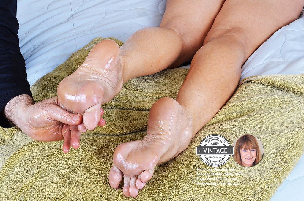 Cam Girls Share How To Get Paid For Feet Pics
