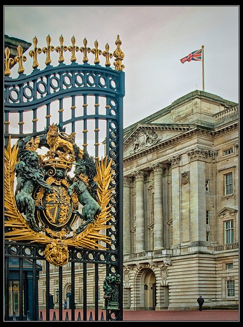 Royal Coat of Arms on the Buckingham Palace gate