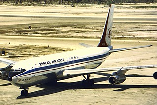 Korean Air Lines B707-300 HL7426 at BAH