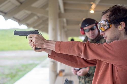 Gun Club   by peretzp