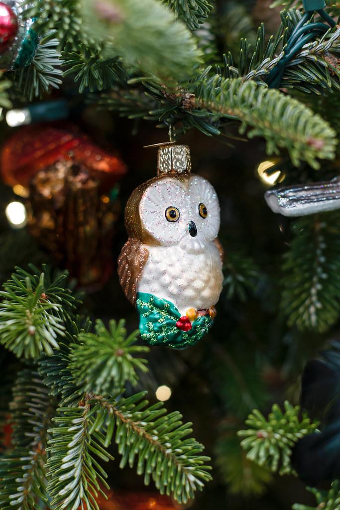 Bird-themed Christmas tree, OWC blown-glass owl ...