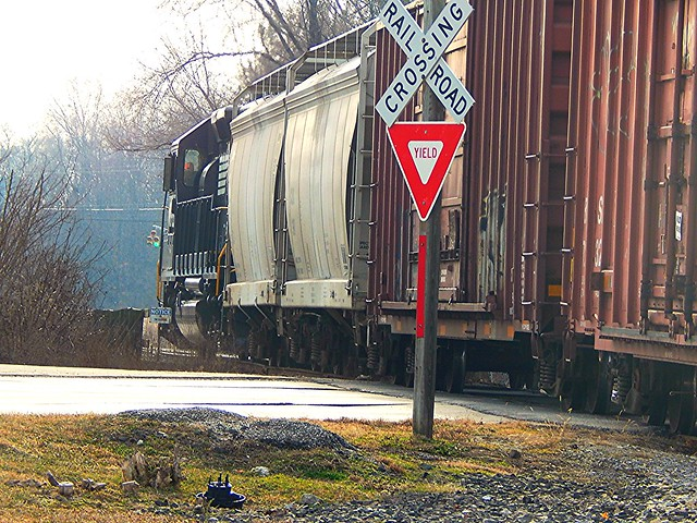 NS taking cars from the Elkhart and Western to the yard