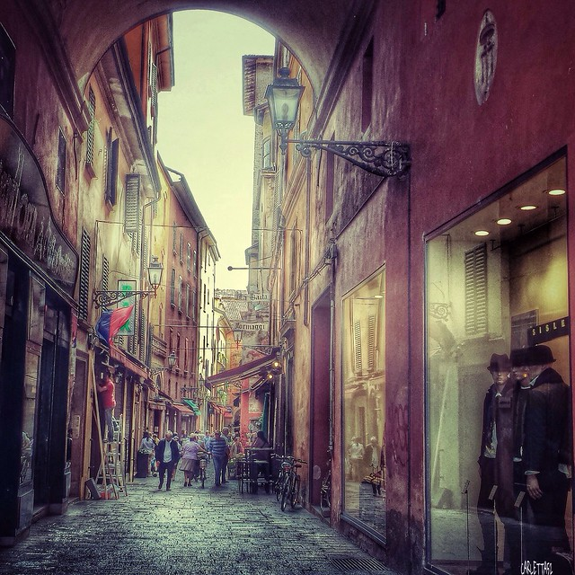 Bologna, Via delle Pescherie Vecchie...