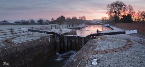 winter england panorama southwest ice nature sunrise canon landscape dawn landscapes canal frost locks wiltshire devizes narrowboat westcountry kennetandavoncanal 2015 rowde caenlocks jaketurner canon5dmarkiii jrturnerphotography