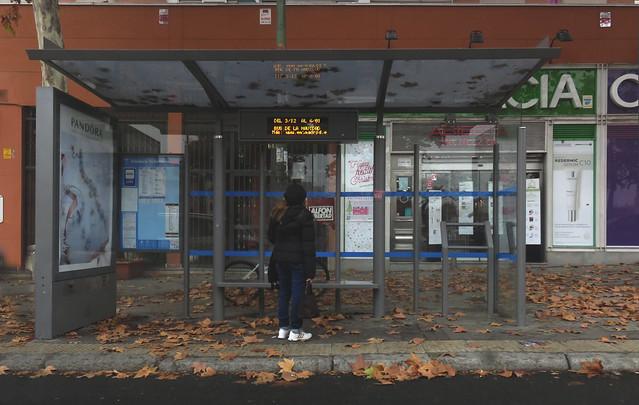 bus stop, Madrid (2016)