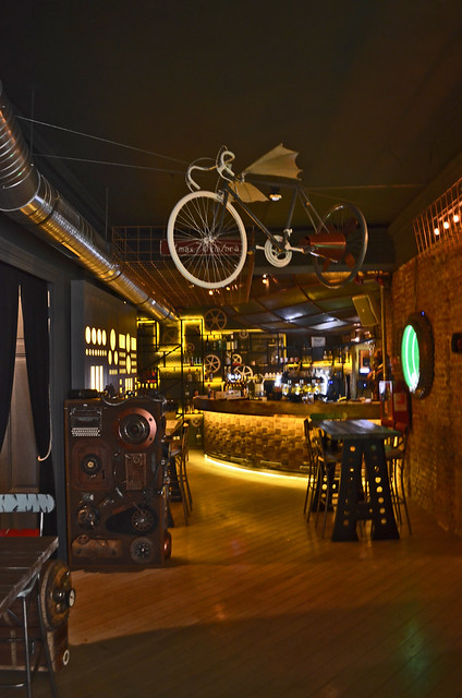 Distrikt 42, Steampunk Pub