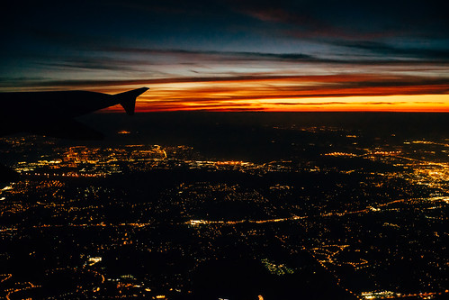 color digital sunrise landscape flying tampabay aviation voigtlander citylights windowseat colorskopar commercialaviation sonya7 vscofilm robbhohmann