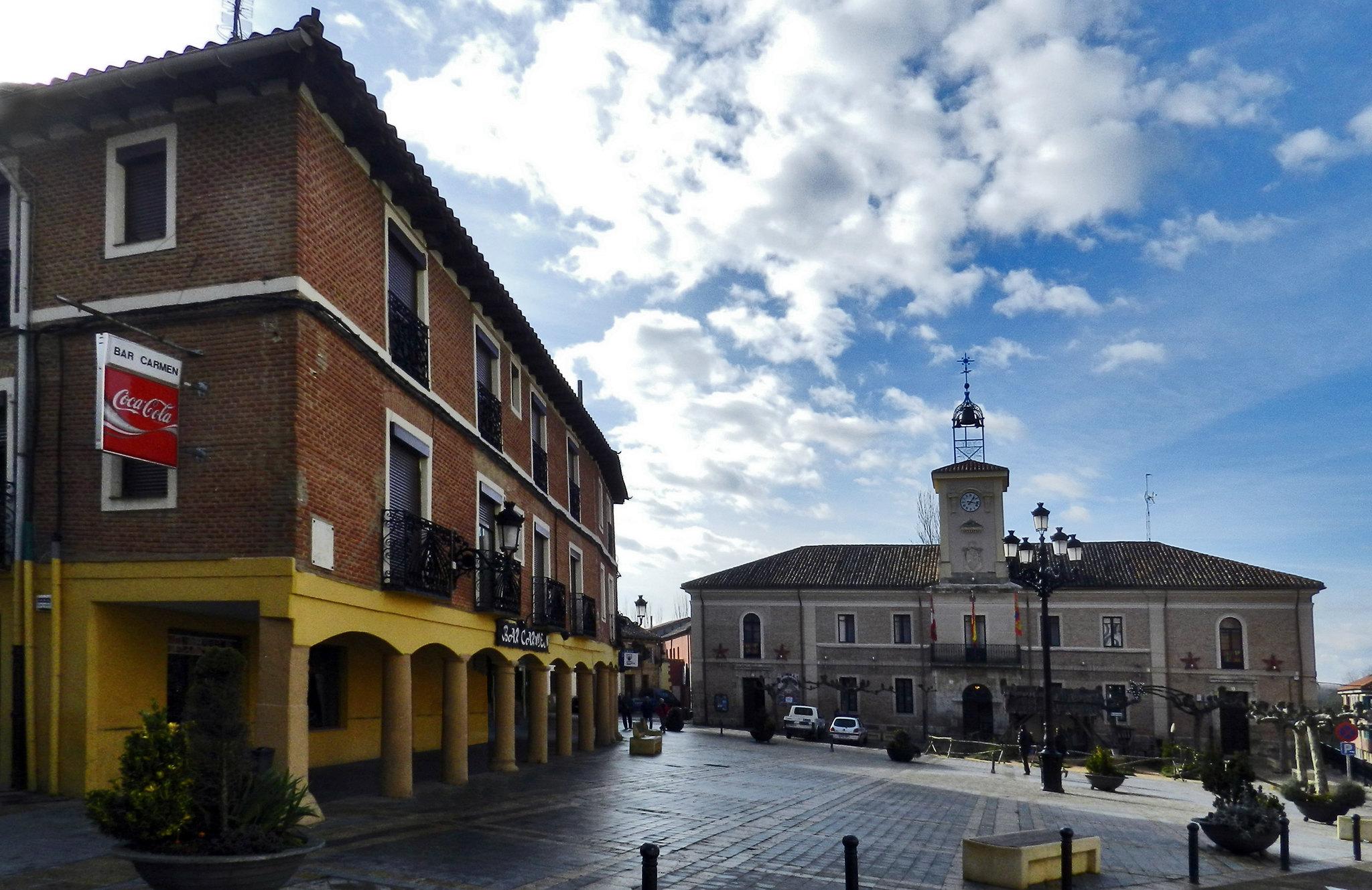 edificio Ayuntamiento año 1868 plaza Mayor Carrión de los Condes Palencia