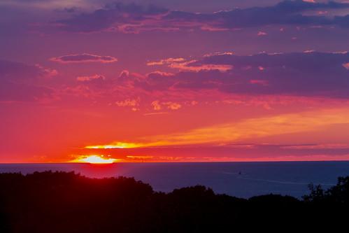 vineyardsound menemsha chilmark marthasvineyard massachusetts cuttyhunk lighthouse buoy clouds magenta orange yellow bluehour menemshainn