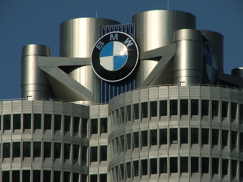 BMW-Zentrale | by dustpuppy