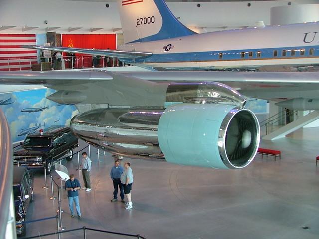 2005TB058c