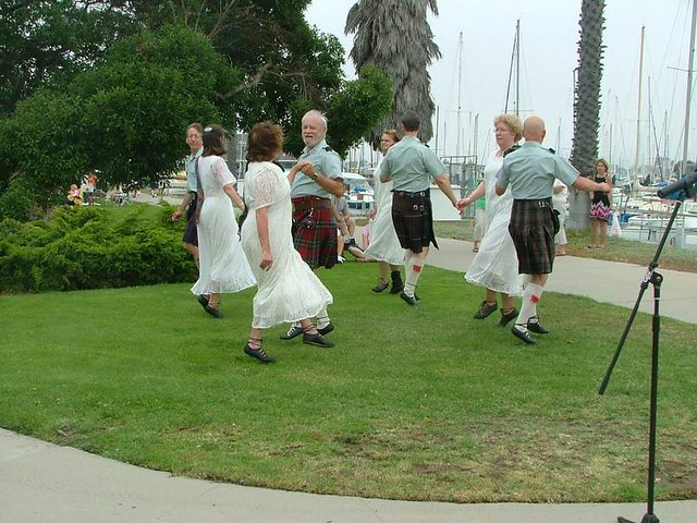 C_Scottish Country Dancers 102