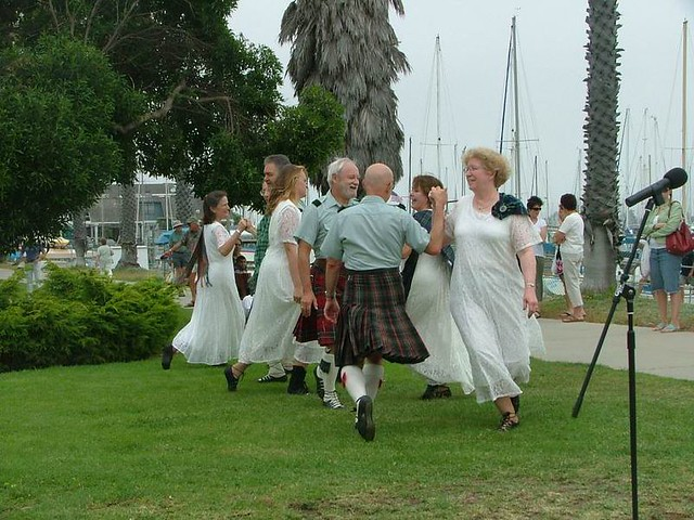 C_Scottish Country Dancers 110