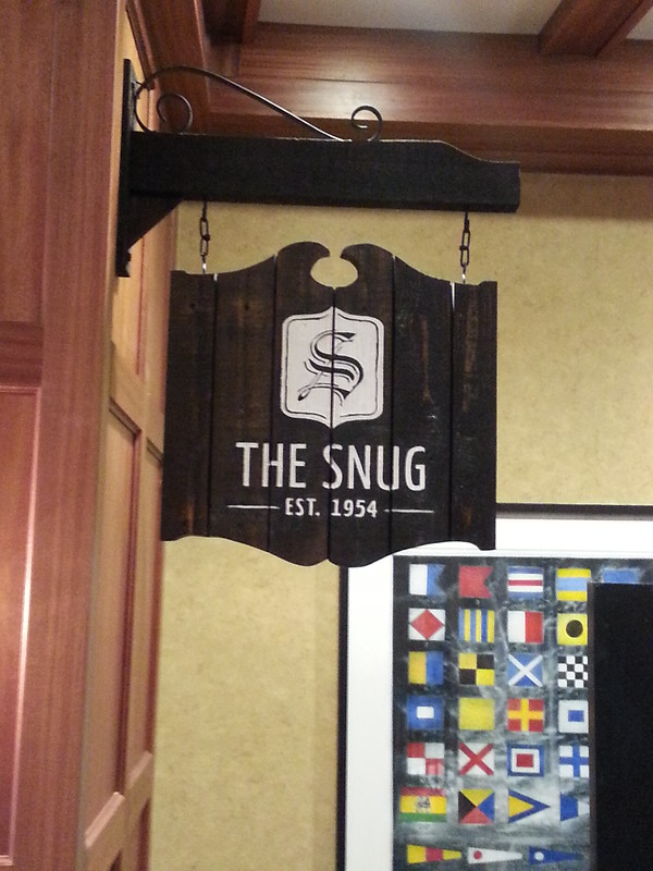 Snug panel and projecting