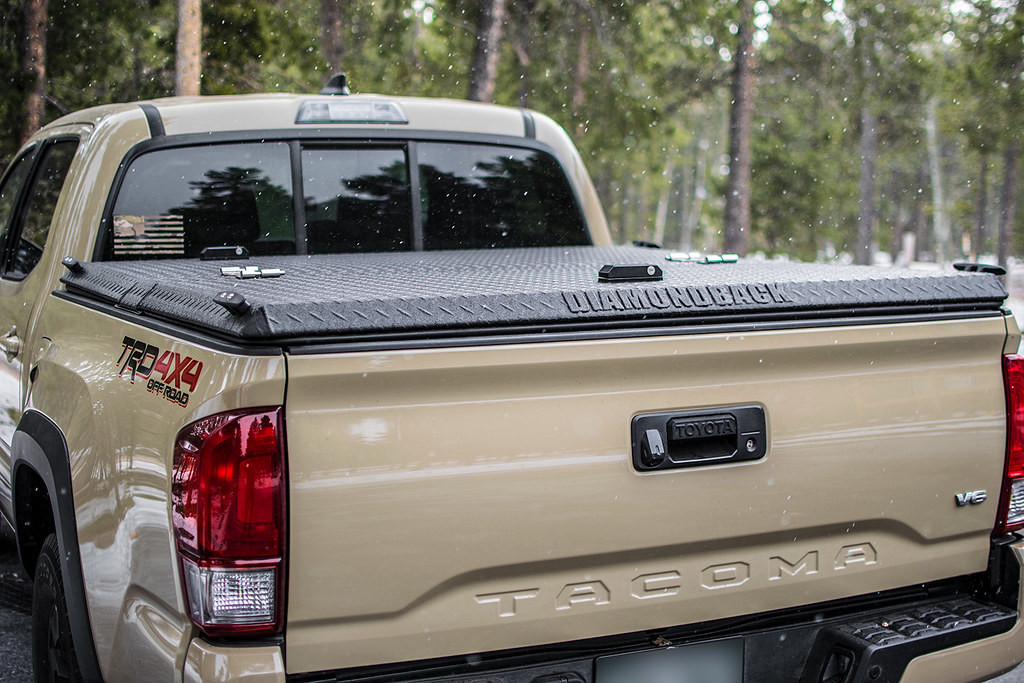 Toyota Tacoma Bed Cover >> An Aluminum Truck Bed Cover On A Toyota Tacoma A Rugged Bl Flickr