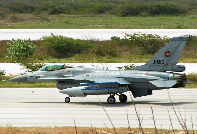 F-16AM J-013 312Sq Royal-Netherlands-Air-Force/ KLu at Curacao-Hato Airport, Dutch Antilles. June 2006. (Exercise Joint Caribbean Lion 2006).