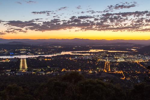 sunset canberra mount ainslie red sky cbr cbr100 australiancapitalterritory australia au lake burley griffin city cityscape landscape