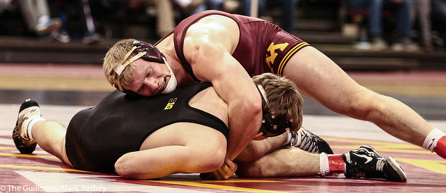 197: No. 2 Brett Pfarr (Minn) tech fall Mitch Bowman (Iowa), 19-4 | Minn 5 – Iowa 19