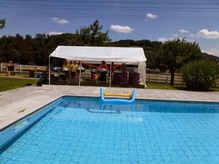 Pool-Party von Michelle und Christine am 2. Juli 2011