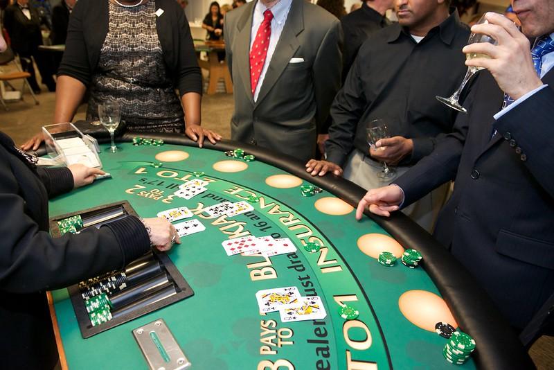 о онлайн отзывы кристаллы казино