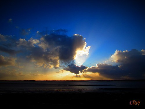 sunset sea sky cloud sun clouds liverpool dramatic merseyside silverlining rivermersey
