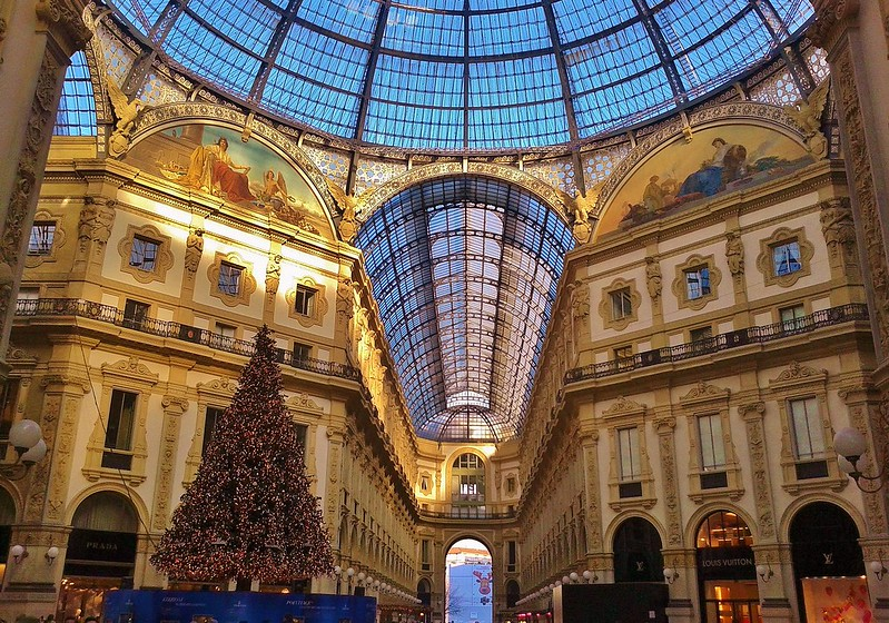 Christmas in Milan (Best wishes to everyone)