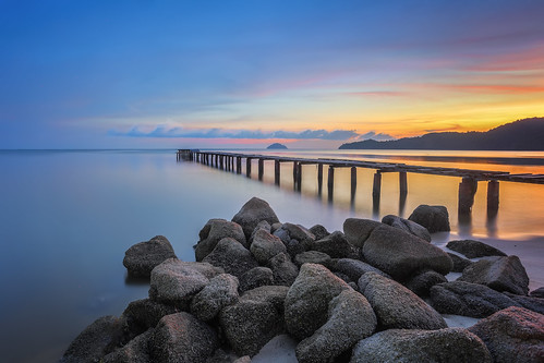 ... the older bridge | sunset | by Keris Tuah