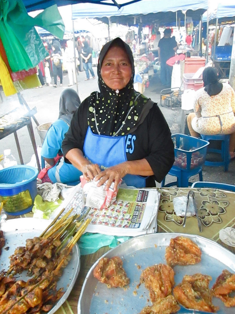 Street Food: Chicken Lady