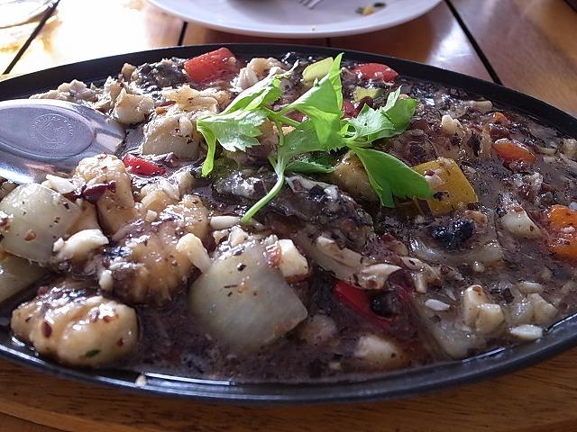 <p>白身魚のブラックペッパーソース炒め</p>