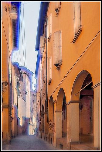 Bologna in agosto: via de Chiari