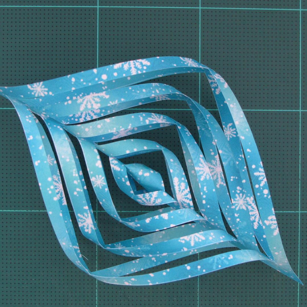 วิธีทำดาวกระดาษรุปเกล็ดหิมะ สำหรับแต่งบ้าน ช่วงเทศกาลต่างๆ (Paper Snowflake DIY) 013