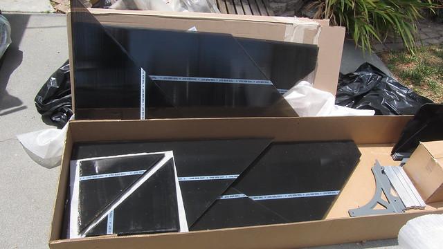 IMG_4539 Palram Fedex shipment of gazebo 3600 polycarbonate sheets but wrong sizes