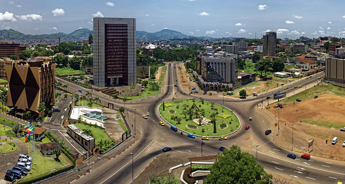 Rond-point étoile Yaoundé | by scaff237