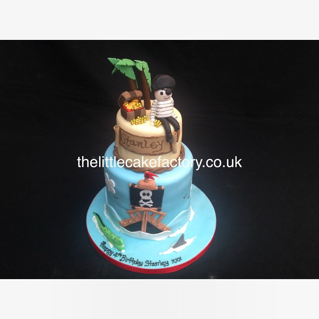 Groovy Pirate Cake Pirate Cake Vanilla Sponge Birthdaycake Flickr Funny Birthday Cards Online Aeocydamsfinfo
