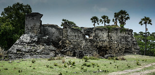 Neduntivu. Fuerte construido con coral. Fort built with coral stone.