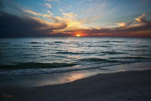sunset reflection beach gulfofmexico water sand waves florida np cloudscape stpetersburgbeach wyojones tradewindsresortandhotel