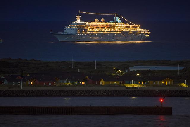 MS Albatros at night