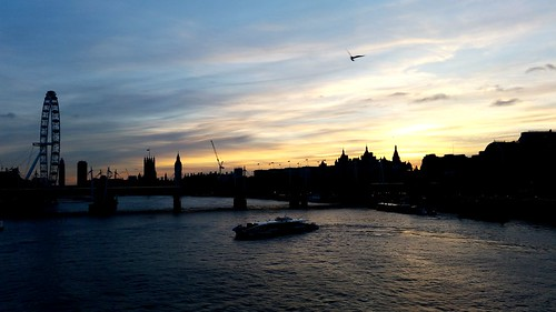 sunset sky water skyline river housesofparliament londoneye bigben southbank waterloo riverthames goldenhour londonskyline waterloosunset londonsunset