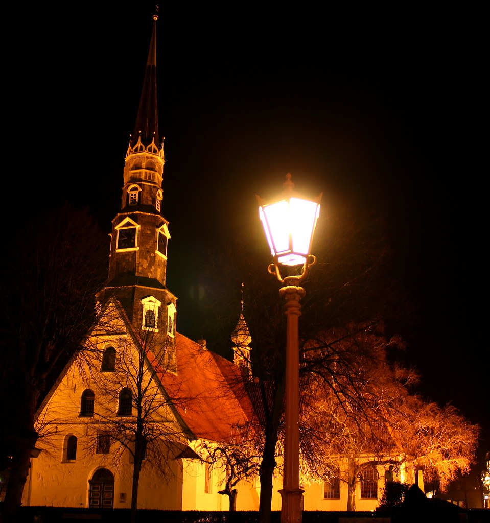 Leuchtende St. Jürgen Kirche