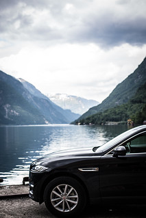 Jaguar F-Pace | by Carblog.se