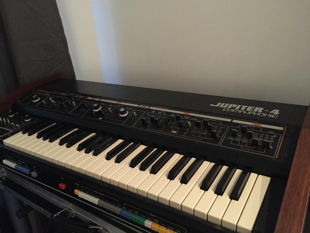 Roland Jupiter 4 | arnaud audiogearstore | Flickr
