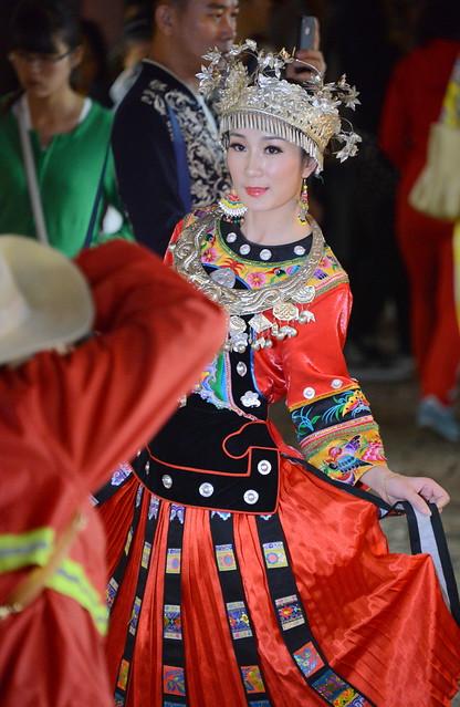 woman in traditional dress, Old town Lijang (丽江), Yunnan Province (云南省), China (中国)
