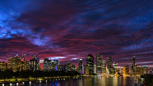 city sunset sky water weather clouds brisbane brisbaneriver sunsetsandsunrisesgold cloudsstormssunsetssunrises