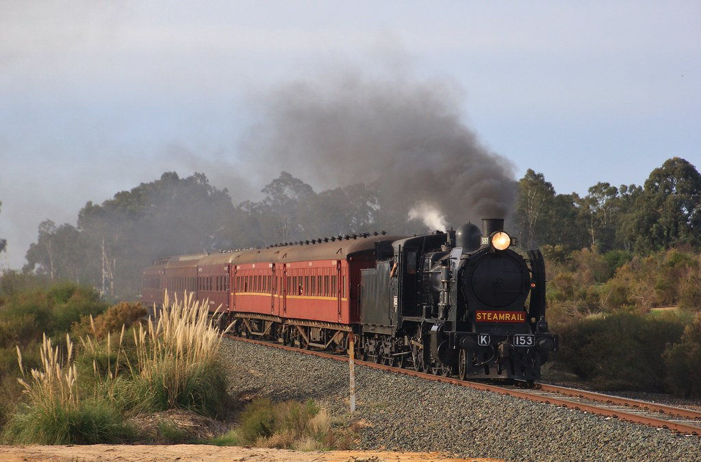 K153 reaches the top of the grade in White Hills on the Echuca Overlander by bukk05