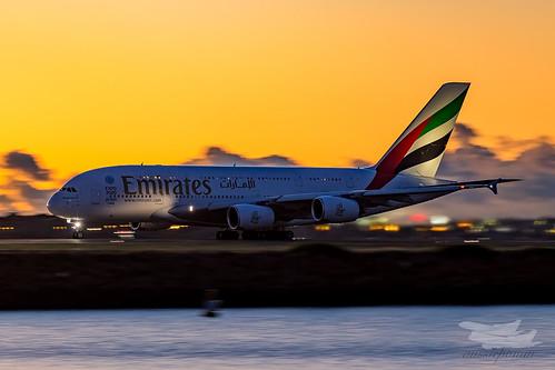 sunrise dawn au australia mascot emirates airbus a380 newsouthwales ek syd sydneyairport yssy
