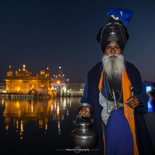 india sikh punjab amritsar gurudwara goldentemple harmandirsahib sarovar nihang gururamdas ਅੰਮ੍ਰਿਤਸਰ ਹਰਿਮੰਦਰਸਾਹਿਬ darbirsahib